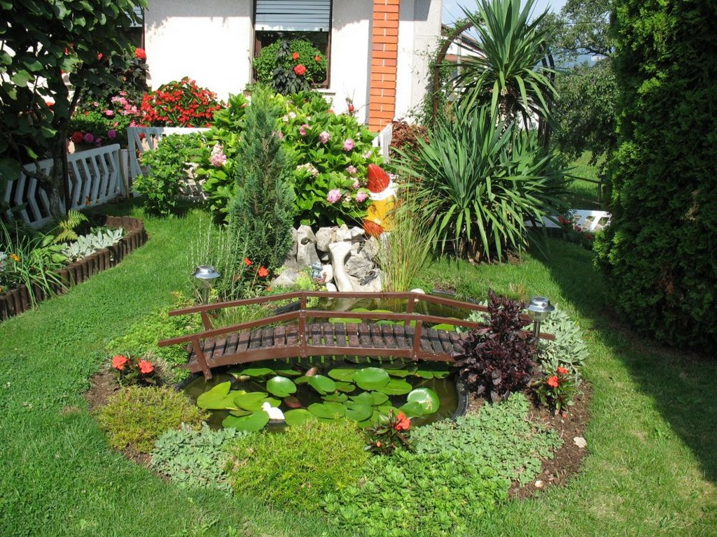 best-small-tropical-gardens-decorating-ideas-fish-ponds-wooden-bridge-lotus-plant-best-popular-garden-decoration-basics-for-beautifying-your-lovely-yard-cheap.jpg